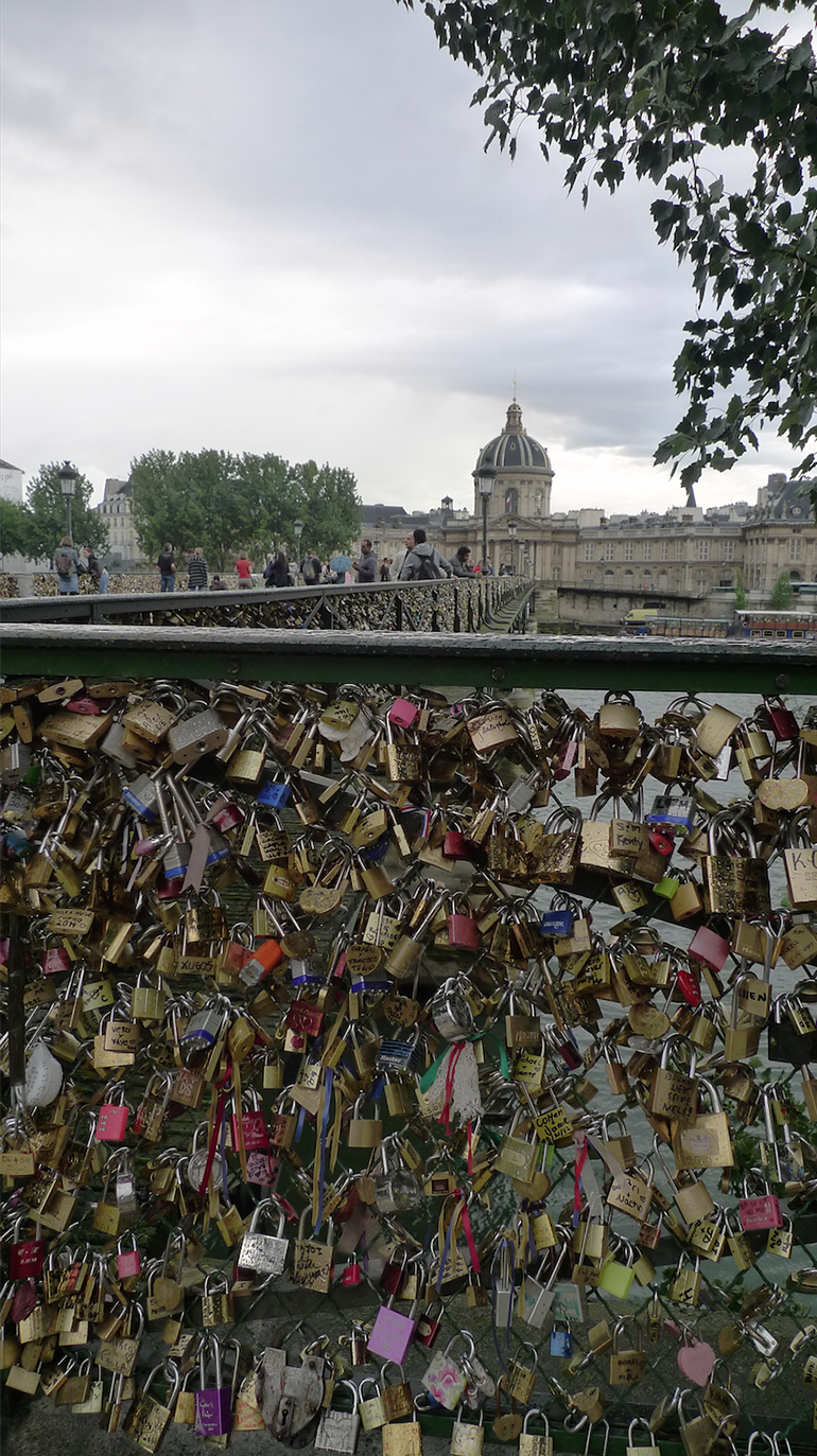 backpacking_europe_monroedesign-se_22_paris_locks-of-love