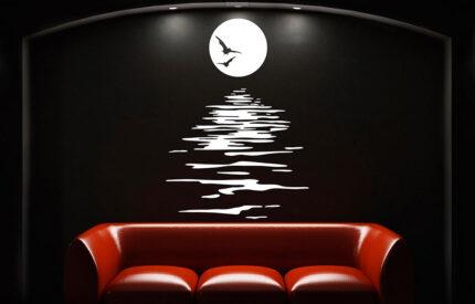 Fullmåne över vatten med fladdermus - MONROE DESIGN