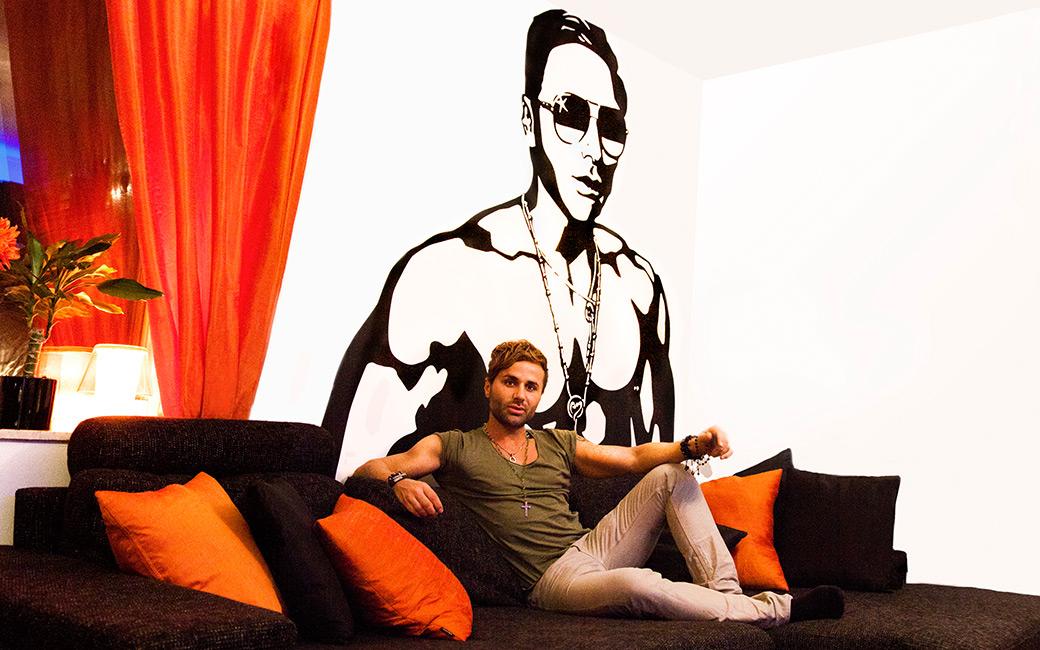 Bobby Oduncu hemma hos - väggdekor av Angela Monroe från MONROE DESIGN AB