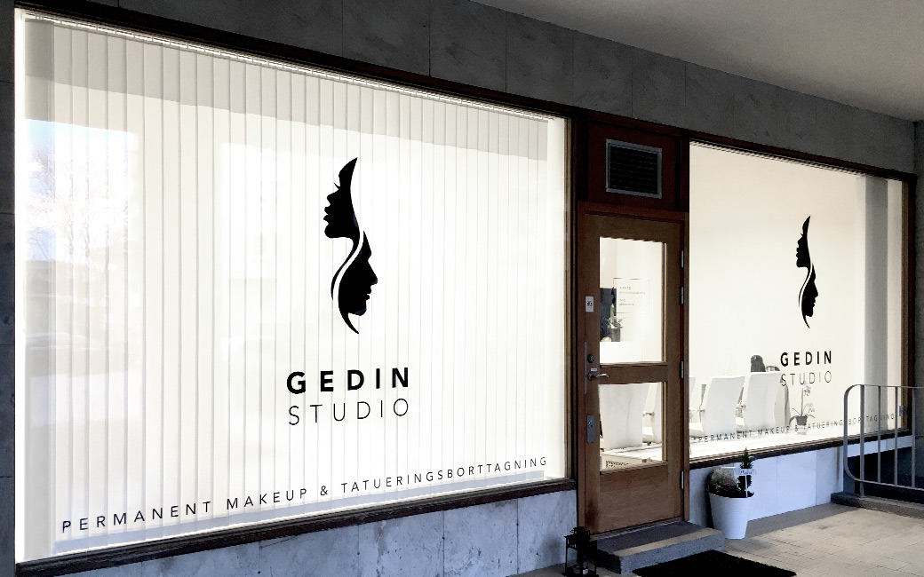 Skyltfönster design i Stockholm - skönhetssalong Gedin Studio - MONROE DESIGN AB