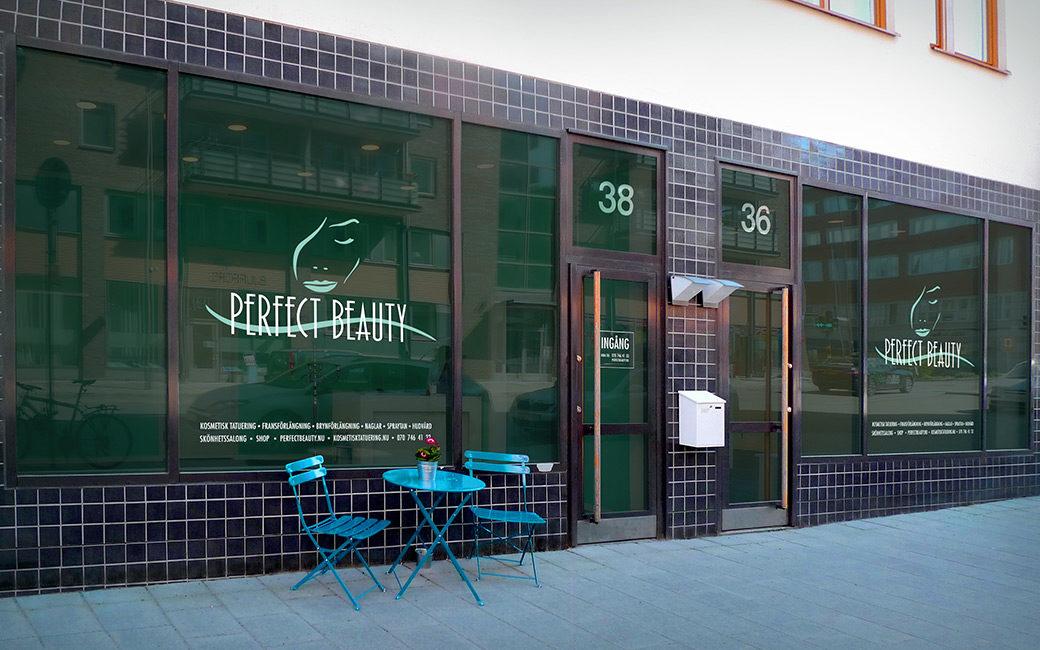Logotyp skyltfönster Stockholm - Perfect Beauty - MONROE DESIGN AB