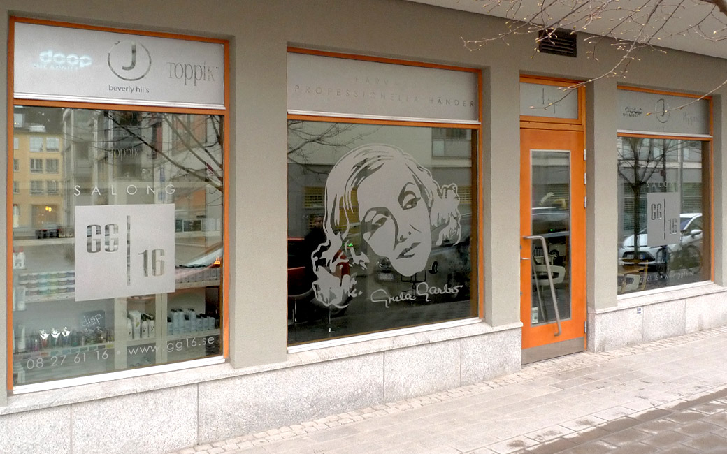 Frostat glas Stockholm - Frisör Salong GG16 i Solna - skyltfönster av MONROE DESIGN AB